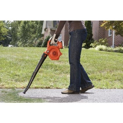 Black-&-Decker-LCC300-20-volt-Max-String-Trimmer-and-Sweeper-Lithium-Ion-Combo-Kit-View4
