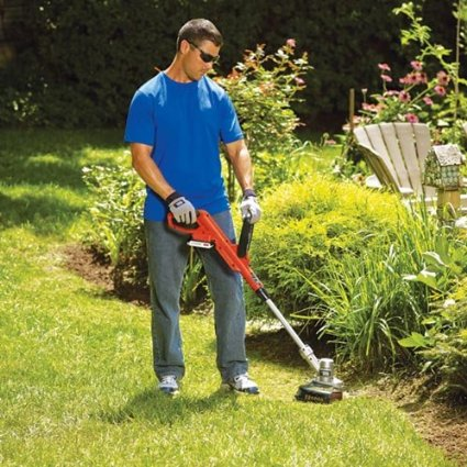 Black-&-Decker-LCC300-20-volt-Max-String-Trimmer-and-Sweeper-Lithium-Ion-Combo-Kit-View5