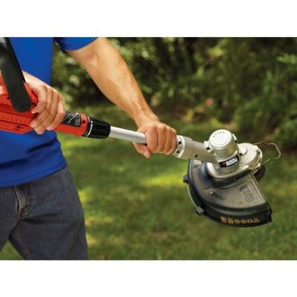 Black-&-Decker-LCC300-20-volt-Max-String-Trimmer-and-Sweeper-Lithium-Ion-Combo-Kit-View7